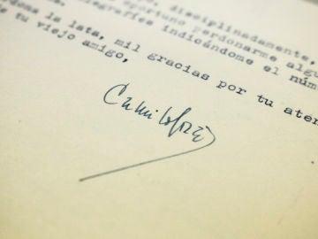 Firma de Camilo José Cela en las cartas a Juan Aparicio