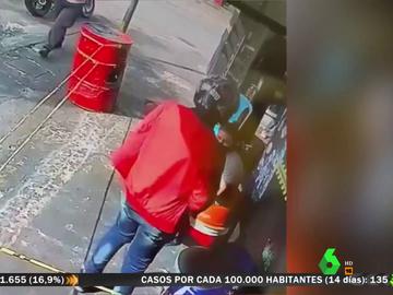 Un ladrón devuelve un ordenador robado tras descubrir que conoce a su víctima