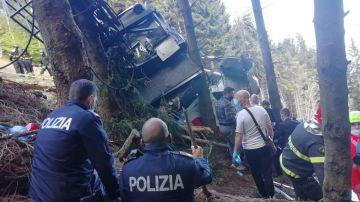 Imagen de la cabina del teleférico que cayó al vacío en Italia