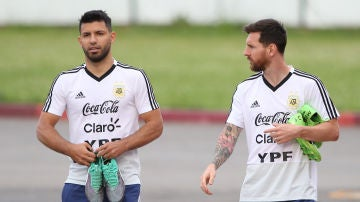 Kun Agüero y Leo Messi, con la selección argentina