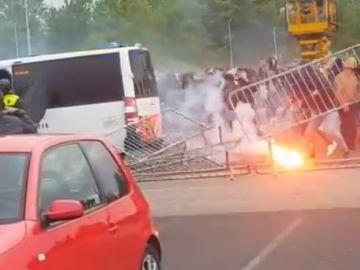 Disturbios entre la policía y los ultras del NAC Breda en los aledaños del estadio