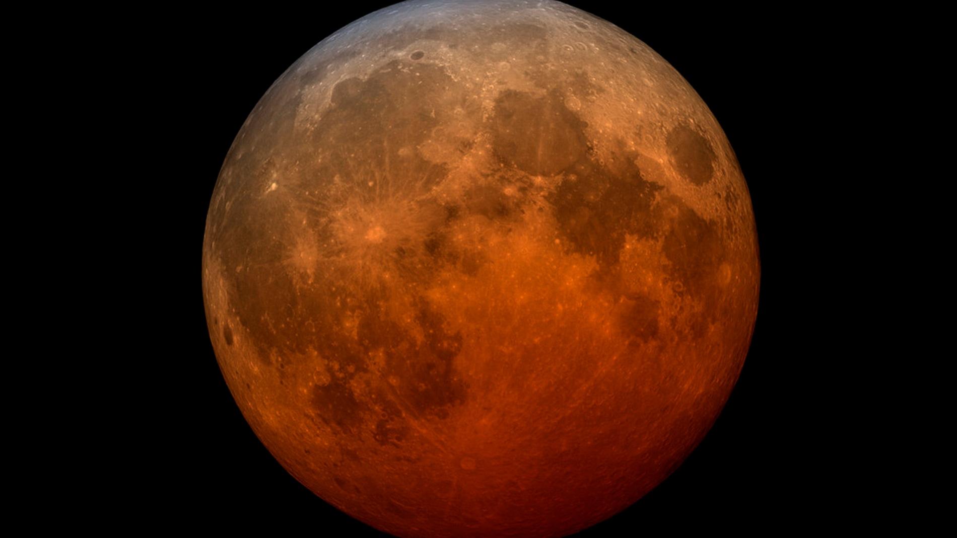 Superluna roja por un eclipse lunar