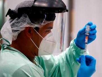 Científicos alemanes afirman tener la solución a los trombos provocados por las vacunas de Janssen y AstraZeneca