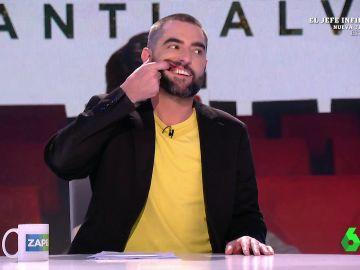 Dani Mateo enseña sus dientes