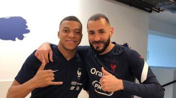 Mbappé y Benzema, con Francia