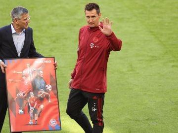 Miroslav Klose en su despedida como miembro del cuerpo técnico del Bayern de Múnich