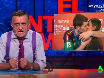 Wyoming analiza la polémica vacunación a la Selección Española recordando el beso de Iker Casillas y Sara Carbonero