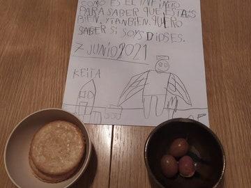 La emotiva carta de un niño de siete años a sus abuelos fallecidos que se ha hecho viral en Twitter