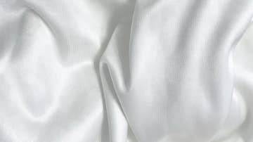 ¿Cómo lavar la ropa blanca muy sucia? Trucos para que quede impecable