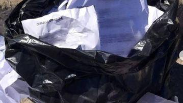 Emotiva historia: un concejal brasileño recoge 62 currículums de la basura y encuentra trabajo a 14 personas