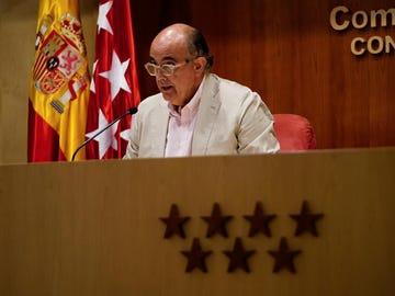 Madrid adelanta de 12 a 11 semanas la administración de la segunda dosis de AstraZeneca a mayores de entre 60 a 69 años