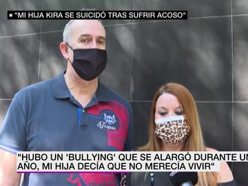 Los padres de la niña de 15 años que se suicidó en Barcelona