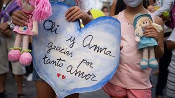 Homenaje a Olivia y Anna, las niñas desaparecidas en Tenerife