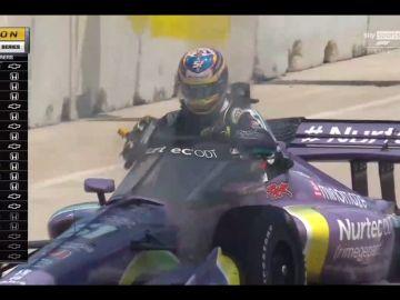 Grosjean vuelve a salir de un coche en llamas