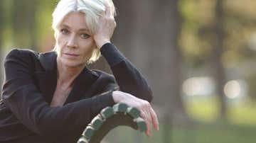"La cantante francesa Françoise Hardy, con cáncer terminal, pide la eutanasia: ""Mis días son un infierno"""