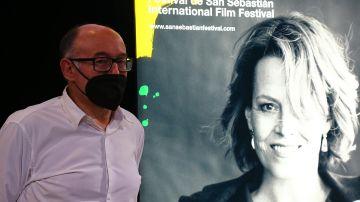 El director del Festival de Cine de San Sebastián, José Luis Rebordinos, presenta el cartel oficial de la 69 edición y de las distintas secciones del certamen donostiarra, que se celebra entre los días 17 y 25 de septiembre, este martes en la ciudad vasca.
