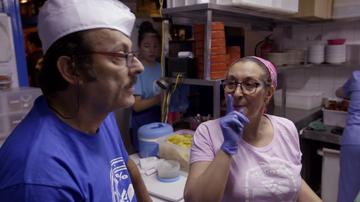 El gran error de una cocinera de La Mordida que deja alucinado al jefe infiltrado