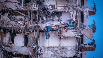 Vista exterior del edificio de 12 pisos derrumbado en Miami