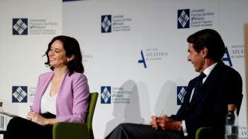Isabel Díaz Ayuso y José María Aznar, sonrientes durante su encuentro