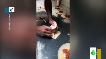 Un preso arrasa en Tik Tok con su canal de recetas que realiza desde su celda en prisión
