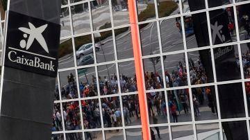 Cuándo se cobra el paro y ERTE en julio: las fechas de pago en los bancos españoles
