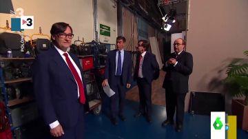 """El 'cara a cara' entre Salvador Illa y su imitador en la televisión catalana: """"Quería pedirte si me podrías sustituir unos días"""""""