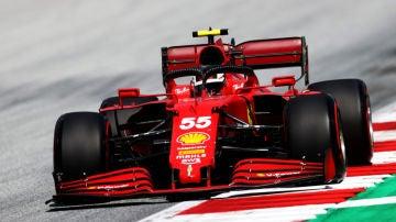 Carlos Sainz, con el Ferrari en Austria
