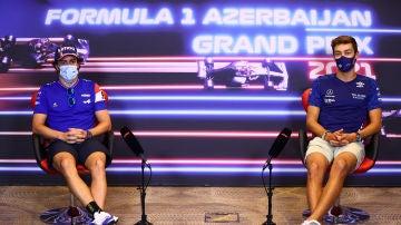 Fernando Alonso y George Russell