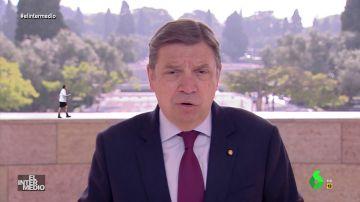 Vídeo manipulado - Mariano Rajoy se cuela en una comparecencia del ministro de Agricultura, Luis Planas