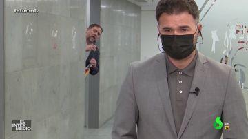 Vídeo manipulado - Junqueras irrumpe una entrevista de Rufián al ritmo de 'Noelia' de Nino Bravo