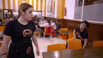 """Una camarera insulta a la jefa infiltrada por pedirle ayuda para limpiar: """"Hija de puta"""""""