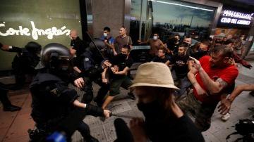 Imagen de las cargas policiales tras la manifestación en repulsa al asesinato de Samuel, en Madrid.
