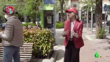 """El 'susto' de Isabel Díaz Ayuso en pleno Chamberí: """"¡Coño, Pablo Iglesias, ah no, es una señora!"""""""