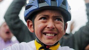 Muere atropellado Julián Gómez, el niño que se hizo famoso al llorar cuando Bernal ganó el Tour de Francia