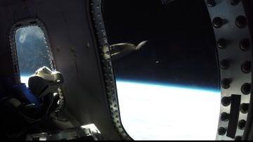 Vista de un viaje espacial con Blue Origin.