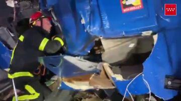 Vídeo rescate choque camiones Getafe