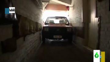 La increíble habilidad de un hombre de 88 años para aparcar su Fiat Panda en su garaje, con solo seis centímetros más de anchura