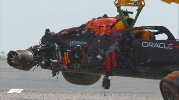 Así quedó el Red Bull de Max Verstappen tras su coche con Lewis Hamilton en Silverstone