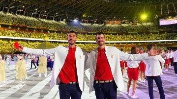 Los hermanos Hernangómez en la ceremonia de apertura de los Juegos