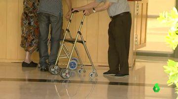Imagen de archivo de mayores en una residencia