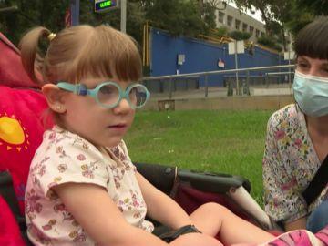 Amelie, niña con una enfermedad rara