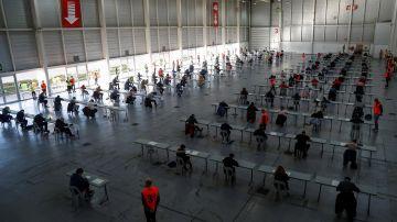 Imagen de archivo de personas examinándose para la Administración Pública.