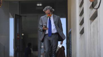 Germán-Ramón Inclán Méndez, abogado de los cuatro ciudadanos portugueses presuntamente implicados en un caso de violación a dos mujeres en una pensión de Gijón.