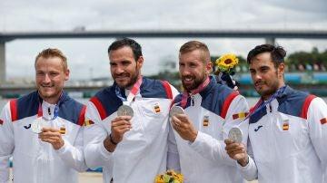 Los españoles Saúl Craviotto, Marcus Cooper Walz, Carlos Arévalo y Rodrigo Germade, medalla de plata en la prueba del K4 500 metros de piragüismo