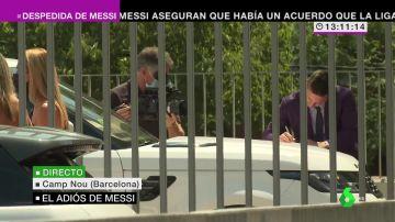 Histórico: así abandonó Messi el Camp Nou tras su rueda de prensa de despedida del Barça