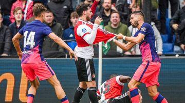 Carrasco, ante el Feyenoord