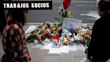 Altar en homenaje a Samuel en la calle donde fue apalizado