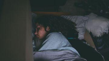 Trucos para dormir en plena ola de calor: cena ligera, ducha templada y ventilación indirecta