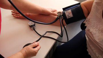Alerta sanitaria: la Agencia de Medicamentos retira estos fármacos contra la tensión