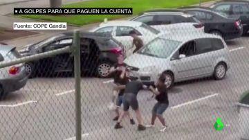 Brutal pelea en Gandía entre el dueño de un bar y cuatro jóvenes que se habrían marchado sin pagar